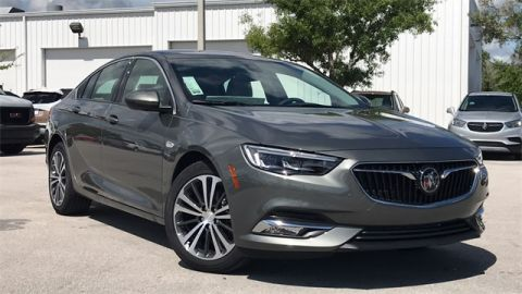 New 2019 Buick Regal Essence FWD 4D Sedan